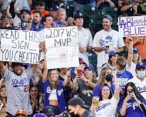Au domicile des Astros, des partisans des Dodgers ne se sont pas gênés pour apostropher les joueurs locaux malgré un environnement hostile.