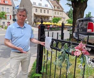 Le chef de Démocratie Québec, Jean Rousseau, déplore la lenteur de la Ville à améliorer la sécurité des piétons là où a eu lieu la tragédie.