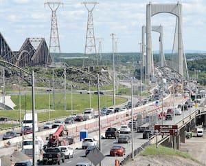 Durant les travaux estivaux sur le pont Pierre-Laporte, la congestion routière risque d'être bien pire que celle captée jeudi par notre photographe.