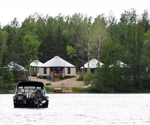 L'accès à la Belle Rivière se fait directement depuis le site situé sur le Banc de Sable.