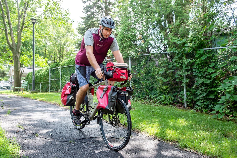 De Sainte-Julie à Gaspé à vélo pour soutenir les jeunes autistes