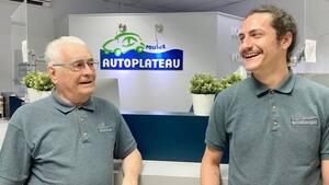 Le propriétaire d'AutoPlateau, Rodrigue Desrosiers, et son petit-fils, Gabriel Raymond, ont réussi à garder l'entreprise à flot malgré la baisse du tourisme.