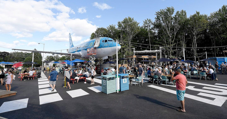 Terrasse estivale «Le 737»: le maire de L'Ancienne-Lorette déçu de l'attitude de l'aéroport de Québec