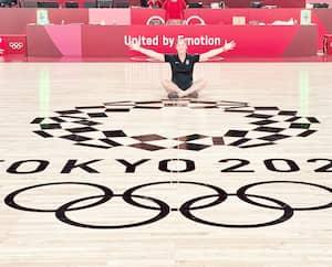 Arbitre aux matchs de basketball aux Jeux de Tokyo, Mariepier Malo déborde d'enthousiasme.