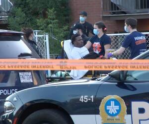 Une fusillade a fait trois morts et deux blessés lundi, dont le rappeur Mackazoe (en médaillon).