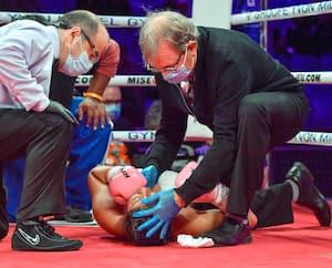 Jeanette Zacarias Zapata ne s'est jamais relevée. Elle a quitté le ring sur une civière samedi et elle est décédée cinq jours plus tard.