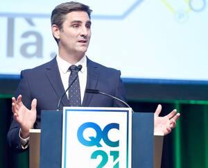 Le candidat à la mairie de Québec, Jean-François Gosselin, chef de Québec21, lors de la présentation de son projet de métro le 9 juin.