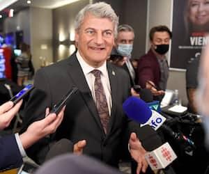 Gérard Deltell était visiblement heureux d'avoir été élu pour la sixième fois de sa carrière en politique.