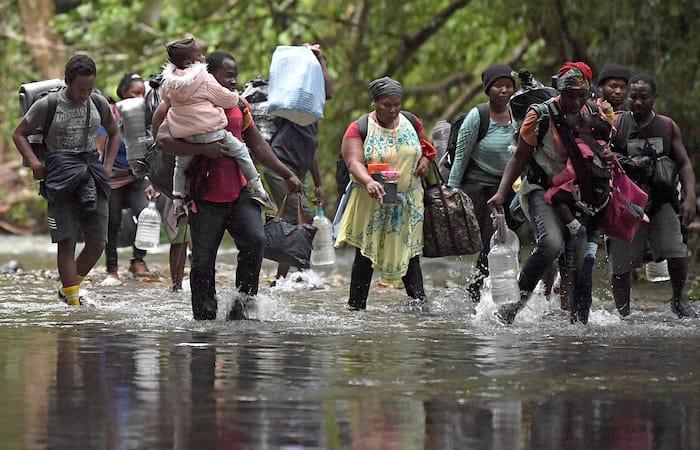 Un groupe de migrants haïtiens cherche à rejoindre les États-Unis depuis la Colombie, le 26 septembre 2021.
