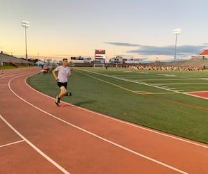 Même si son horaire est réglé au quart de tour, Bruno Marchand se réserve une période d'une heure pour aller courir avec son club de course à l'Université Laval.