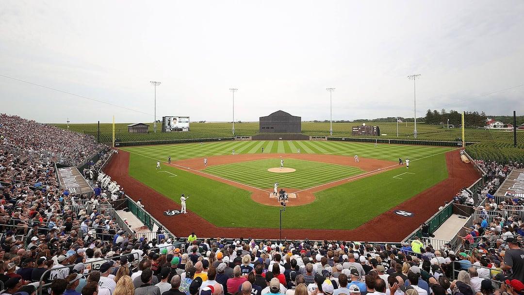 BBA-BBN-BBO-SPO-MLB-AT-FIELD-OF-DREAMS---CHICAGO-WHITE-SOX-V-NEW