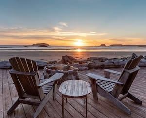 La résidence que le premier ministre Justin Trudeau et sa famille ont occupée à Tofino en Colombie-Britannique offre une vue prenante sur l'océan.