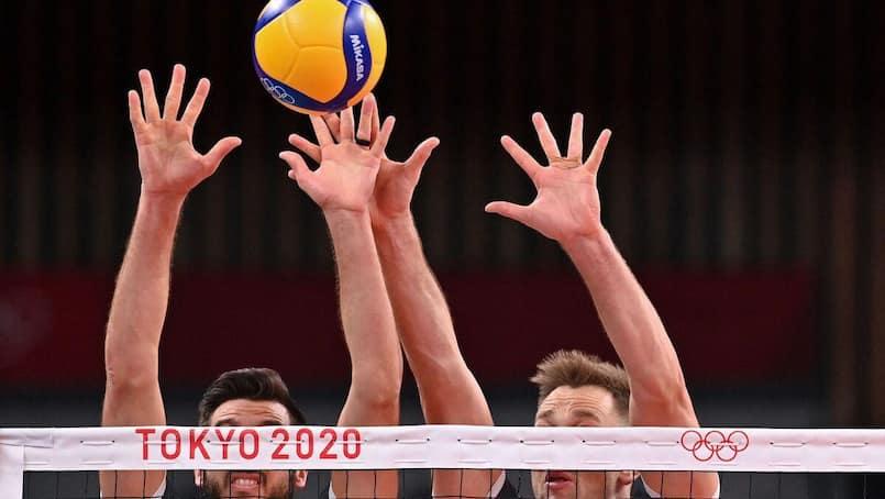 Volleyball: les équipes du Canada avancent