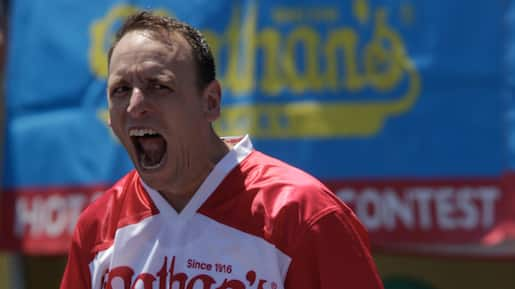 US-PROFESSIONAL-EATERS-COMPETE-IN-ANNUAL-NATHAN'S-HOT-DOG-EATING