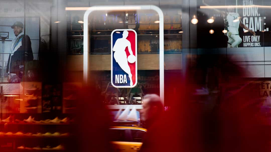 US-NBA-SUSPENDS-SEASON-AFTER-PLAYER-TESTS-POSITIVE-FOR-CORONAVIR