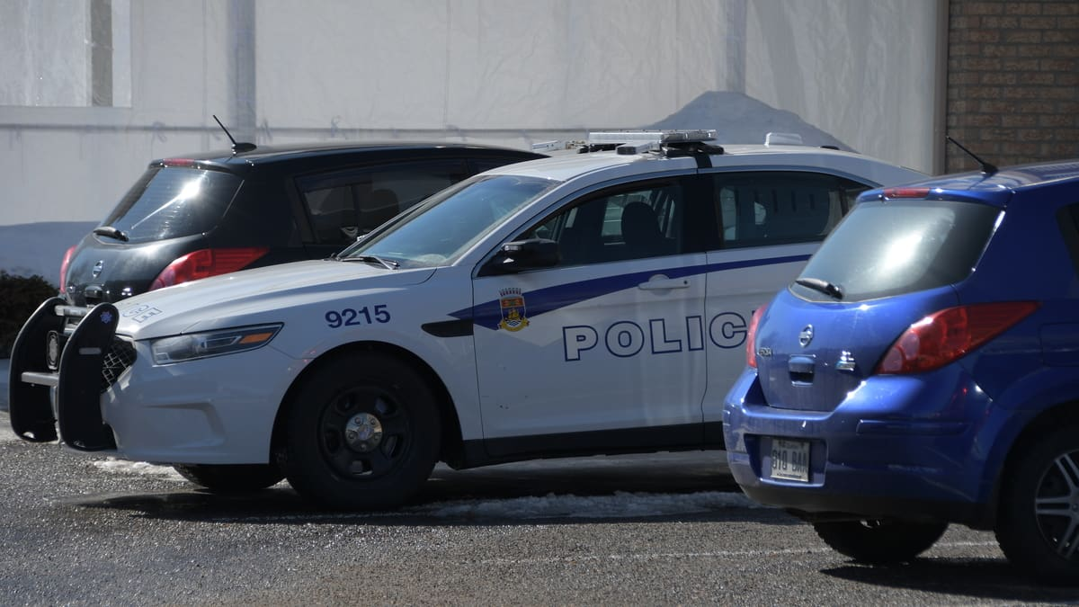 Des dizaines de dénonciations de voyageurs récalcitrants à Québec