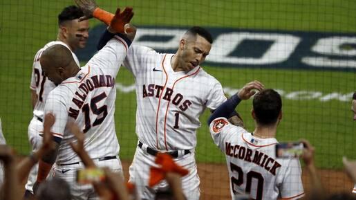 Correa offre la première aux Astros