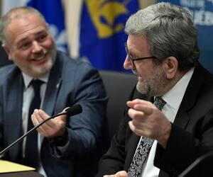 Lundi, le ministre responsable de la Capitale-Nationale par intérim, Jonatan Julien, a renoué avec le maire Régis Labeaume à l'hôtel de ville, près de deux ans après sa démission fracassante du comité exécutif de la Ville de Québec.
