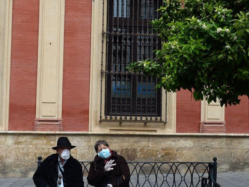 Coronavirus, boom des décès en Espagne et Gb. Trump exclut le verrouillage national
