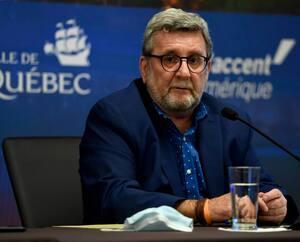 Le maire de Québec, Régis Labeaume, estime que le «sentiment d'invincibilité» qui anime la ville de Québec «ne marche plus» et espère que le message lancé par les élus à la population permettra d'inverser la tendance.