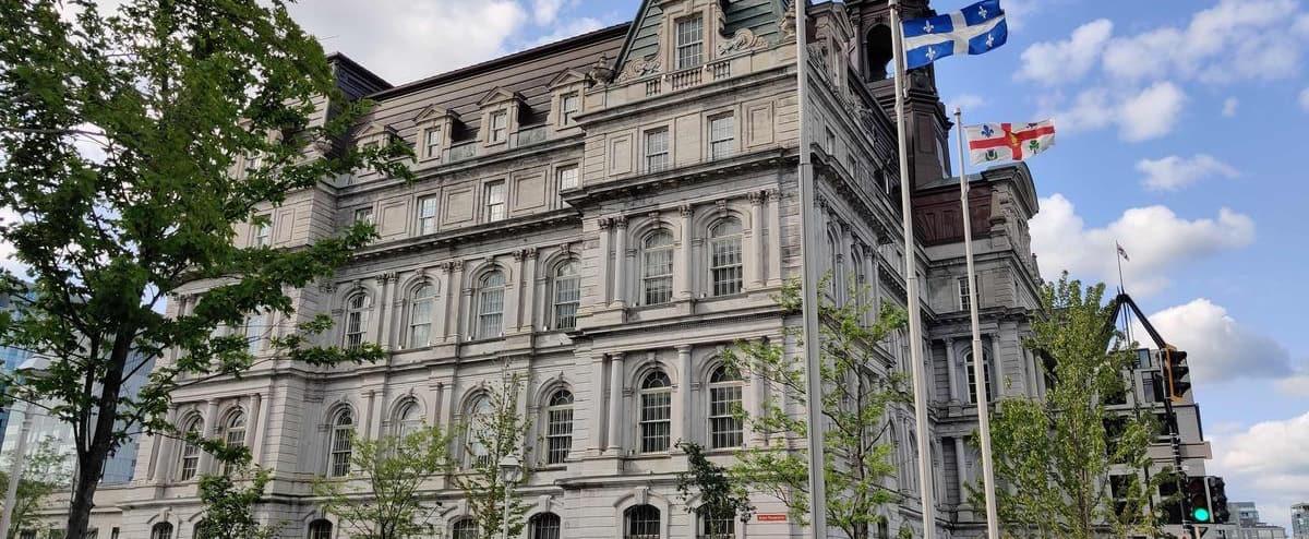 Fiscalité municipale: les villes liées se disent abandonnées par Québec