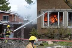 [PHOTOS] Une résidence de Laval rasée par un violent incendie