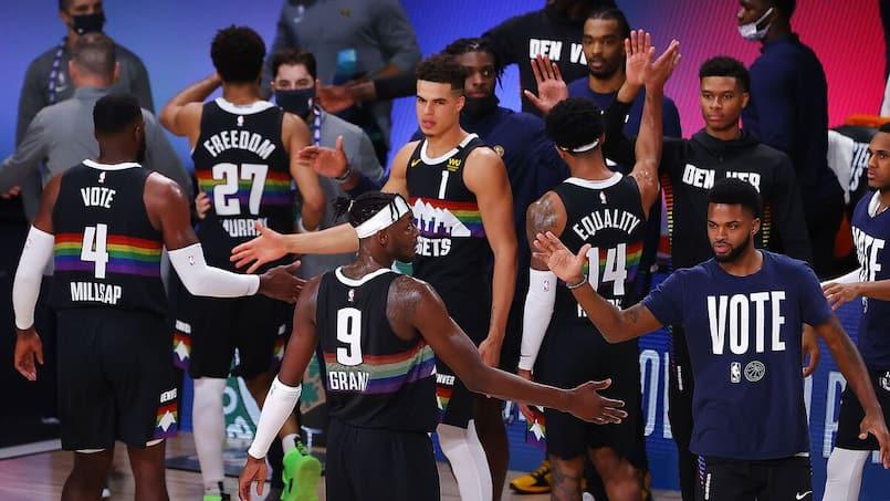Les Nuggets réduisent l'écart face aux Lakers