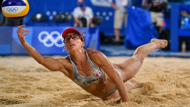 Jeux olympiques : un duo canadien en quarts de finale en volleyball de plage