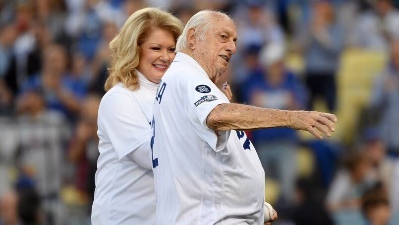 Hommage funèbre à Tommy Lasorda au Dodger Stadium