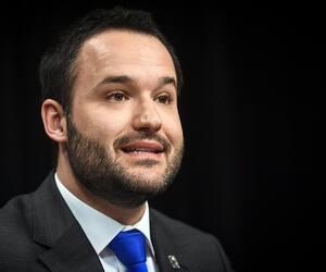 Le ministre de la Famille, Mathieu Lacombe