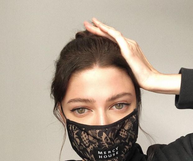 Image principale de l'article Quoi faire si votre masque vous cause de l'acné