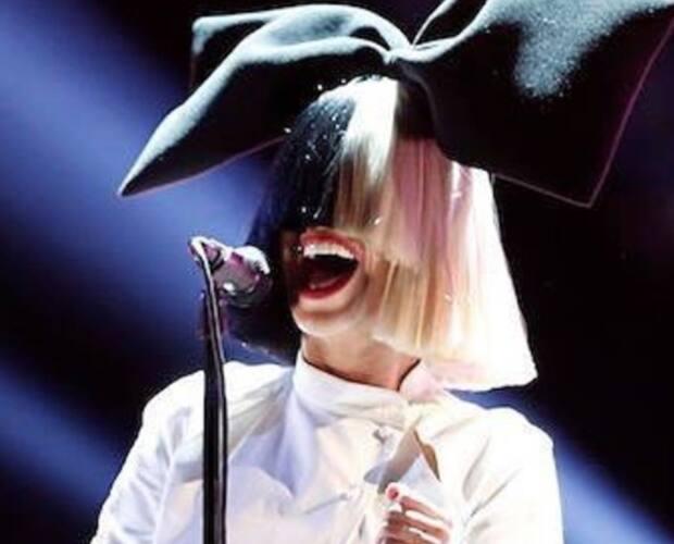 Image principale de l'article La chanteuse Sia paye l'épicerie d'inconnus