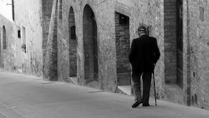 Ceci n'est pas l'homme de notre histoire. C'est juste une image générique de «vieil homme italien».