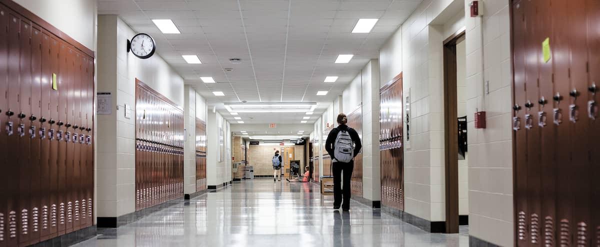 Plus de 150 classes fermées dans les écoles du Québec