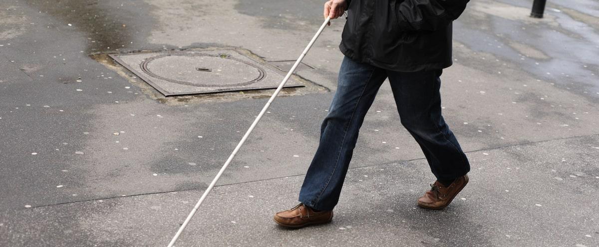 La COVID-19 nuit aussi aux gens ayant un handicap visuel - Le Journal de Montréal