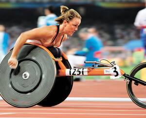 Les athlètes paralympiques canadiens devront se tourner plutôt vers l'année2021 dans leur objectif de participer aux Jeux de Tokyo, comme Diane Roy, qui pourrait alors y vivre une septième édition.