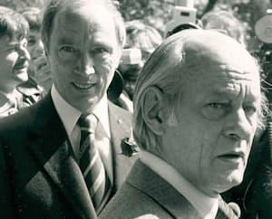 Pierre Elliott Trudeau et René Lévesque, premiers ministres du Canada et du Québec dans les années 1970-1980 .