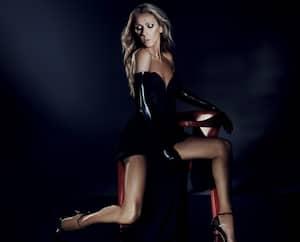 Image principale de l'article Céline Dion ose plus que jamais dans ce shoot
