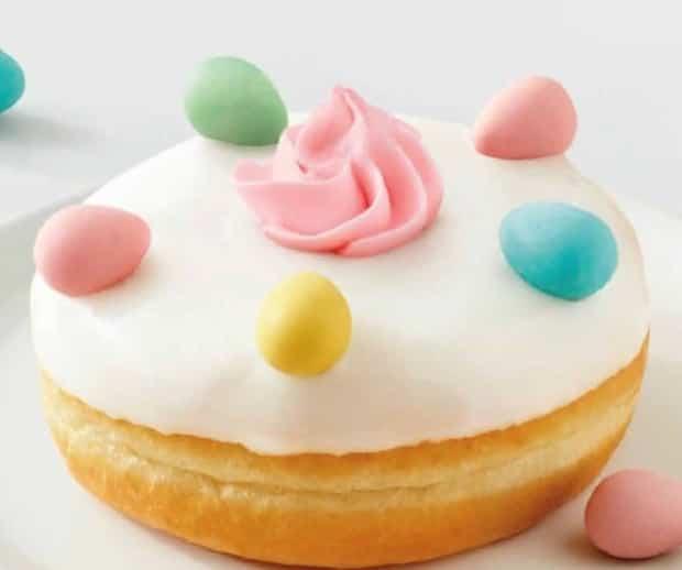 Image principale de l'article Le beigne aux Mini Eggs du «Tim» est de retour