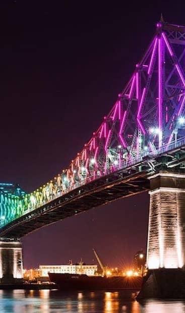 Image principale de l'article Le pont Jacques-Cartier illuminé en arc-en-ciel