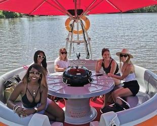 Image principale de l'article Des «donuts» flottants où faire un BBQ sur l'eau