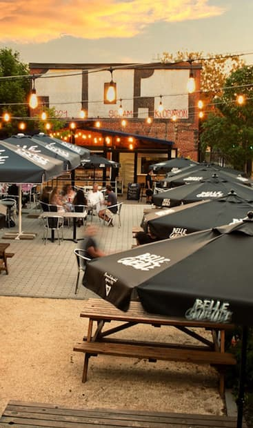Image principale de l'article Ce pub possède la plus grande terrasse du Plateau