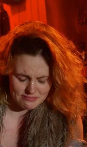 Image principale de l'article Elle se fait maltraiter sur scène