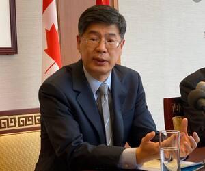 Cong Peiwu, ambassadeur de la Chine à Ottawa.