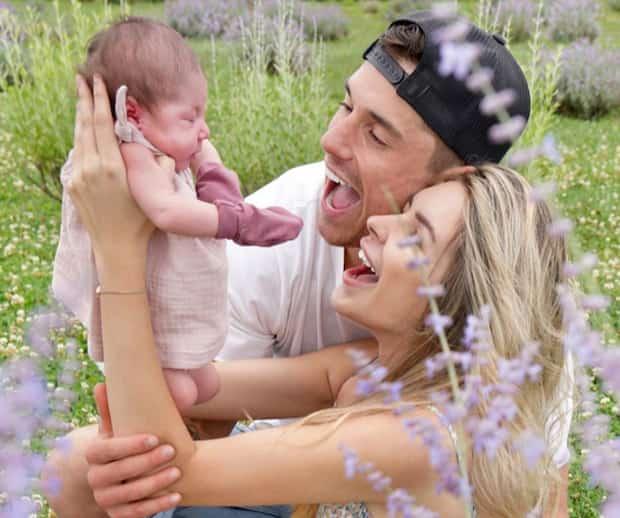 Image principale de l'article Des gens se moquent du prénom du bébé d'Elisabeth