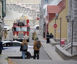 Les pompiers ont été appelés en renfort pour nettoyer les scènes de crime.
