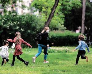 TOPSHOT-SPAIN-HEALTH-VIRUS-PANDEMIC-CHILDREN