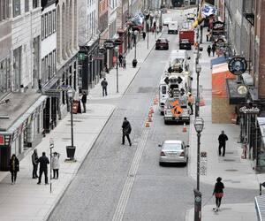 Une vue de la rue Saint-Jean, dans le Vieux-Québec, vendredi. Cette section de l'artère sera réservée aux marcheurs les fins de semaine, de 10h à 20h, entre la rue D'Auteuil et la côte du Palais.