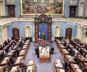 « L'idée, c'est d'avoir un Parlement qui est plus efficace, sans enlever de pouvoir ou de droit aux oppositions », a exposé le premier ministre François Legault, hier, en parlant de la réforme parlementaire à venir. Sur la photo, le Salon bleu de l'Assemblée nationale en mai dernier.