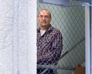 M<sup>e</sup>Geneviève Beaudin, de la Couronne (<i>en mortaise</i>), demande une lourde peine de 18ans de détention pour l'entraîneur équestre agresseur Clément Lamoureux, que l'on voit ici lors d'un de ses passages au palais de justice de Sorel-Tracy, en 2019.